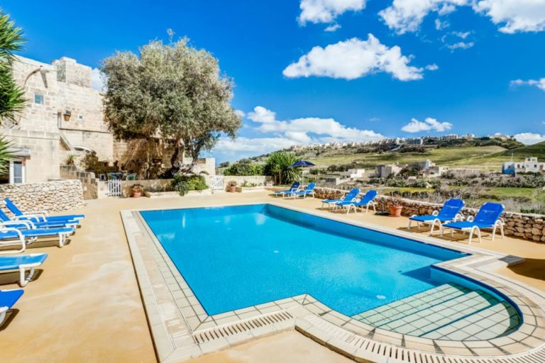 villas in gozo