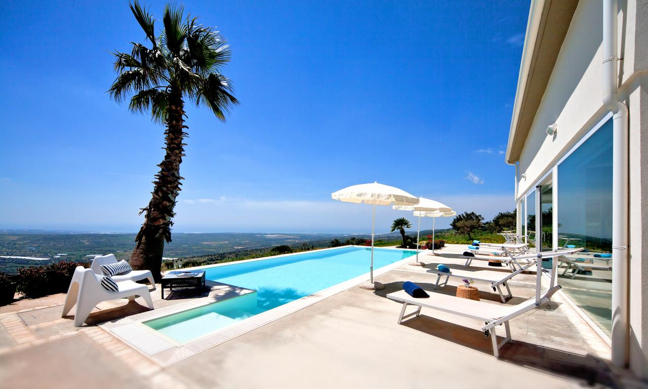 luxury villa close to marina di ragusa