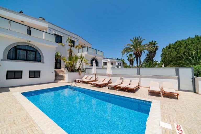 self catering villa malta