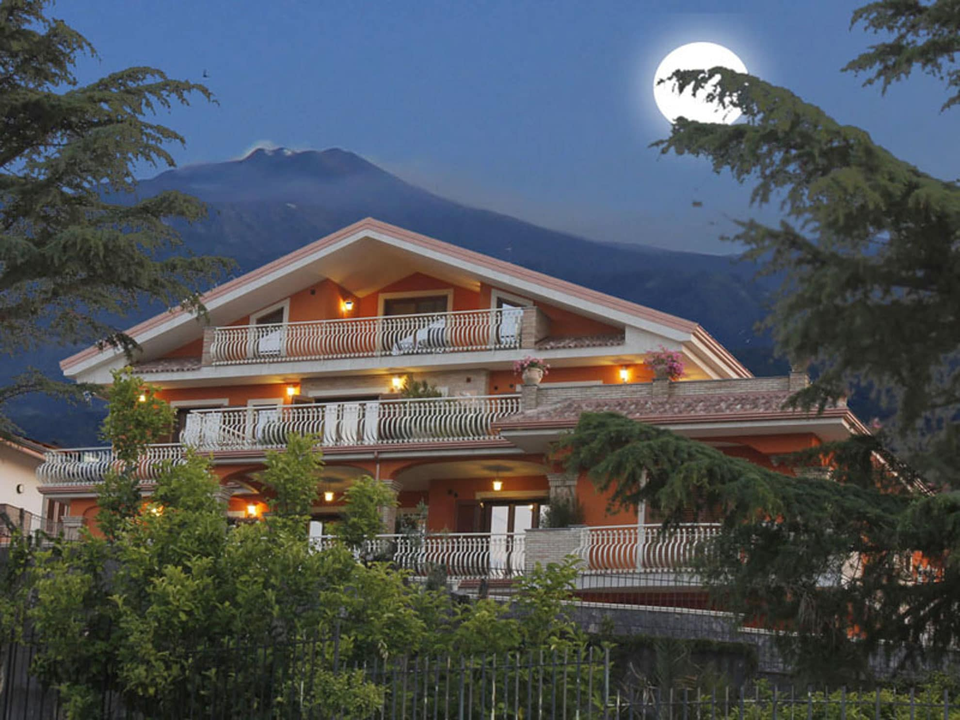 etna holiday villa